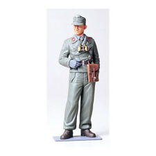 TAMIYA 36301 Wehrmacht Tank Crewman 1:16 Military Model Kit Figures