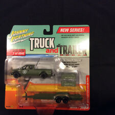 Johnny Lightning Truck and Trailer 1:64 2004 Ford F-250 with Car Trailer Ver A