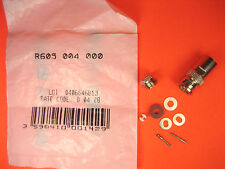Radiall  R605 004 000  Connector