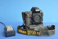 Nikon D700 SLR Digitalkamera 12.1 MP Vollformat FX mit Batteriegriff