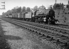 PHOTO  WAR DEPARTMENT LOCO WD USA CLASS LOCO NO.2356 AT WORK IN BRITAIN C.1944