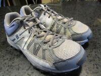 Columbia Women's Size 9 Techlite Omni-grip Hiking Walking Yoga Shoes