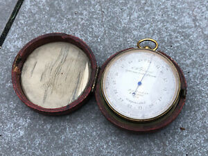 ANTIQUE C.W DIXEY OPTICIAN TO THE QUEEN LONDON COMPENSATED POCKET BAROMETER