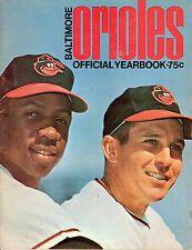 1968 Baltimore Orioles Baseball Yearbook magazine, Frank & Brooks Robinson ~Fair