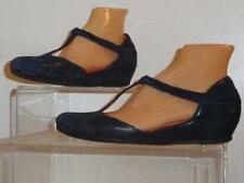 "Pas de Rouge ""E109"" Blue Printed Suede Low Wedge T-Strap Shoes Size 9.5/39.5"