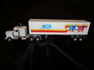 NEW ENGLAND DAIRY Inc. Die Cast Semi Truck New Unused Toy 1:43 Scale White