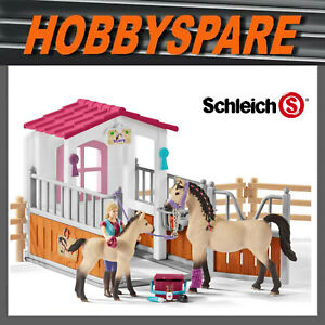 NEW SCHLEICH HORSE CLUB HORSE STALL with HORSES & GROOM PLAYSET 42369