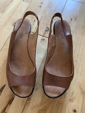 Hobbs Size 6 Tan Sandals