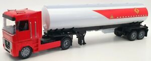 New Ray 1/32 Scale Model Truck 10023 - Renault Tanker