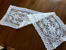 VINTAGE WHITE NEEDLEWORK LACE TABLE RUNNER 32x9.5 INCHES