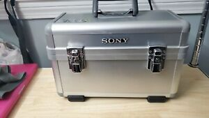 Sony LCH-TRV900 Alumninum Hard Carrying Case - Silver