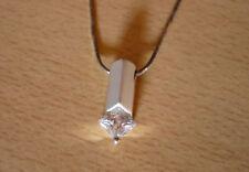 Zilveren ketting met hanger en vierkante strass-steen