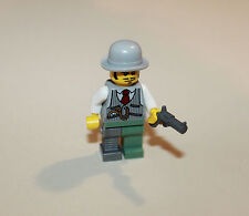 Lego Monster Fighters 9468 Vampyre Castle Minifig Doctor Rodney Rathbone Weapon