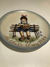 """Vintage Sister Berta Hummel Mother's Day Plate 1989 """"Pretty as a Picture"""""""