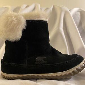 Sorel Out N About Booties Winter Snow Boots Black Suede Women's Sz 7 EUC