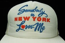 883979fcf9924 Vtg 1980 s White Somebody In New York Loves Me Mesh Snapback Trucker Hat Cap  NY