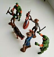 VINTAGE ---Plastic Cowboys & Indians Toy Soldiers----.LOT OF 7 PIECES.