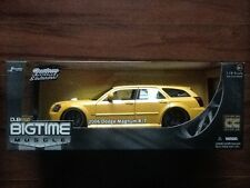 JADA 1/18 DIE CAST YELLOW 2006 DODGE MAGNUM R/T BIG TIME MUSCLE   # 90562  F/S