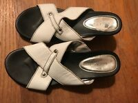 Nine & Co. Size 9.5M White Leather Sandals Open Toe EUC Wedge Heels Strappy