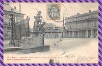 Carte Postale - NANCY - Hémicycle de la carrière et palais du gouvernement
