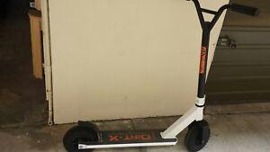 Dirt x Adrenaline manual scooter