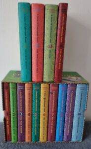 A Series of Unfortunate Events Box: The Complete Wreck (Books 1-14) by Lemony S…