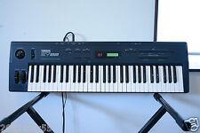 Yamaha SY22 Dynamic Vector Synthesizer Keyboard w/ gig bag