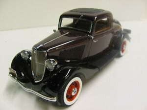 Danbury Mint 1933 Ford Deluxe Coupe in 1:24 scale