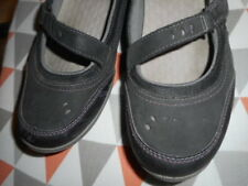 CLARKS SHOES SIZE 10 M COMFORT CHARCOAL GRAY CLOSING STRAP