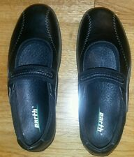 EARTH Mary Janes Shoes in Genuine Leather size 8B