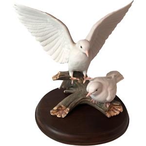 HOMCO Masterpiece Mizuno Porcelain White Doves Figurine Wood Base 1985 Love Bird