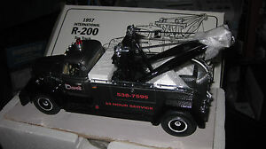 1.34 1st FIRST GEAR 1957 INTERNATIONAL R-200 TOW TRUCK DAVE'S TOWING #18-1185