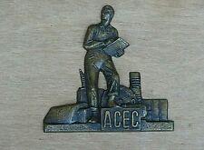 Insigne en Bronze Logo usine ACEC électricité Belge Art Deco Homme triomphant