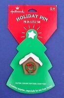 Hallmark PIN Christmas Vintage BIRDHOUSE WREATH Snow Capped Holiday Brooch NEW