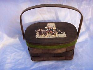 VINTAGE HOLLY HOBBIE WOOD BASKET PURSE / HAND BAG