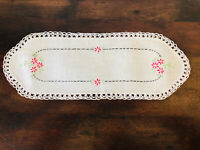 "Vintage Hand Embroidered Floral Linen Scarf Dresser Doily Crochet Edges 14"""