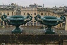 Alfred Corneau ? XIXème Imposante paire de coupe Medicis en fonte laquée Verte