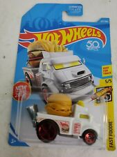 2018 Hot Wheels #237 Fast Foodie 5/5 BUNS Of STEEL White w/Red 5 Sp 50th Anniver