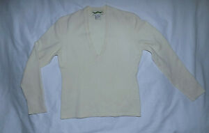 SHANGHAI TANG Cashmere Scoop VNeck sweater-Size Medium-Beige-Beautiful Condition