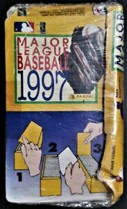 BOX MAJOR LEAGUE BASEBALL 1997 PANINI 100 PACKETS (600 stickers)