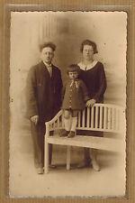 Carte Photo vintage card RPPC Bruges famille homme femme enfant coiffure kh0354