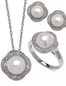 Cultured Freshwater Pearl(7-8mm) & Daimond Accent Sterling Silver Set.