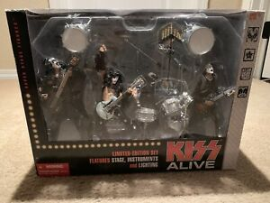2000 McFarlane Kiss Alive Box Set Full Band Set of 4 Action Figures Limited
