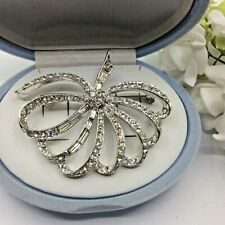VINTAGE EXQUISITE JEWELLERY CLEAR CRYSTAL RHINESTONE SILVER TONE BOW BROOCH PIN