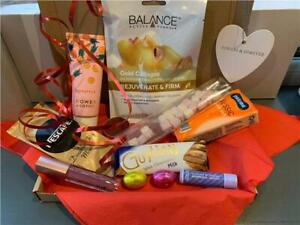 Pamper Letterbox Hamper Birthday Gift Set Beauty Kit with Chocolate