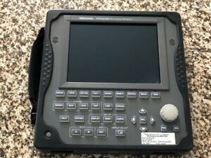 TEKTRONIX WFM2200 3G/HD/SD-SDI Waveform Monitor/Generator w/DATA option & case