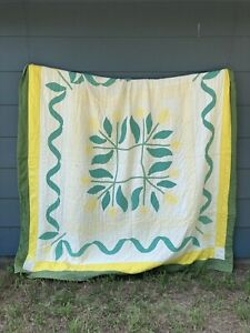 """VTG Hand Stitched Appliqué Quilt Yellow Greens Floral 78"""" X 84"""" Machine Quilted"""