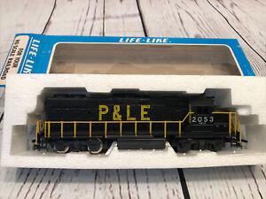 Life Like HO Scale GP-32-2 Locomotive P&LE # 2053. Item 08298 Classic Vintage.