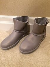 ugg boots size 6 new silver gray