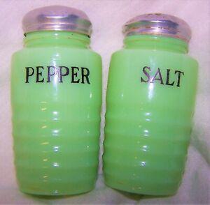 """Jadeite Salt & Pepper Shakers Jade Green Vintage Ribbed Beehive 5"""""""